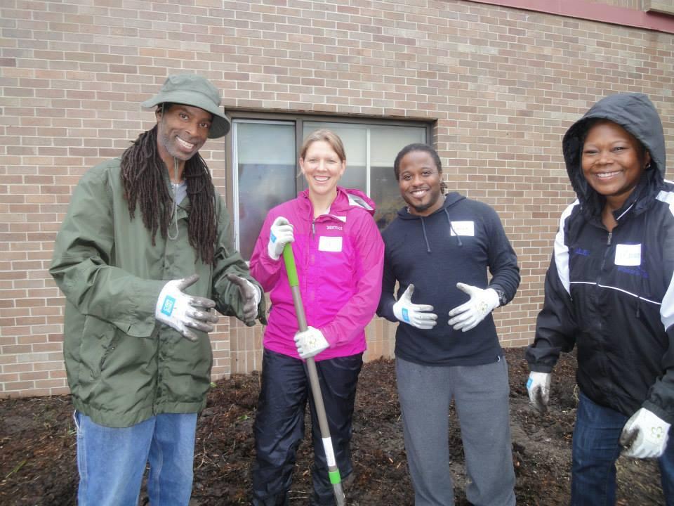 Volunteers plant natives around Bethune school