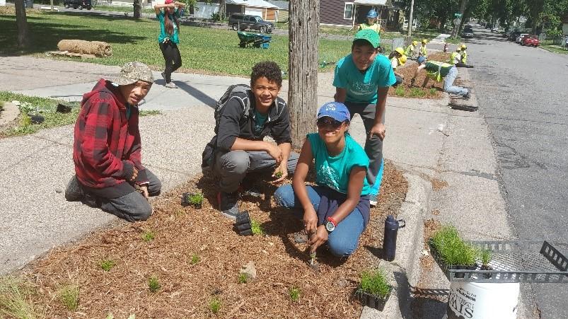 Mississippi River Green Team plants Harrison boulevards