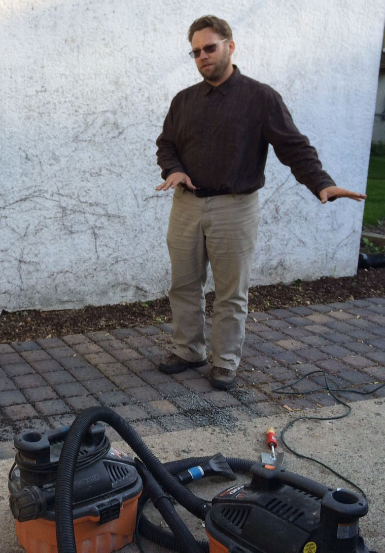 Rich Harrison of Metro Blooms at a Blooming Alley maintenance training